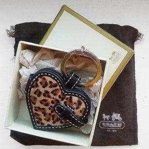 COACH cheetah photo lock heart keychain BRAND NEW